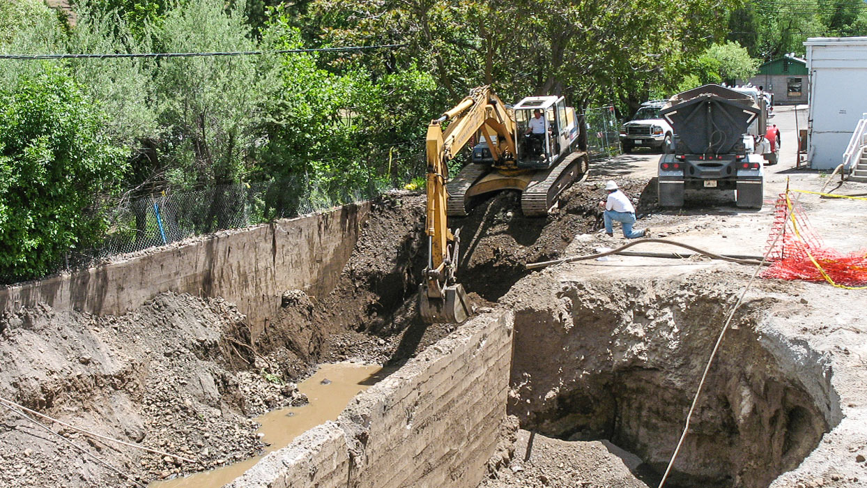Soil Excavation and Retaining Walls along Shasta Creek